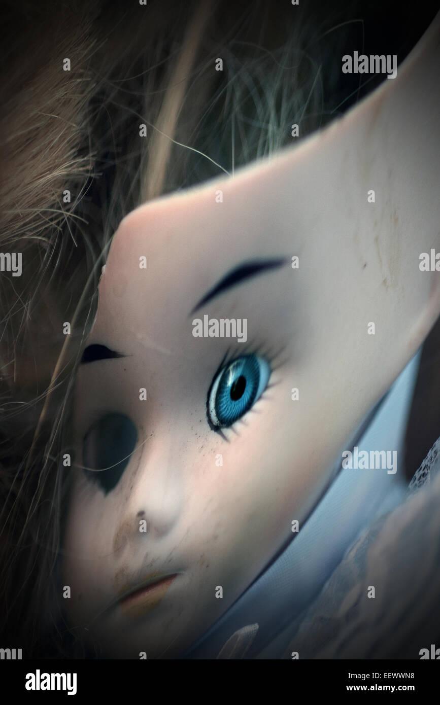 verzerrte Childs Puppe Stockbild