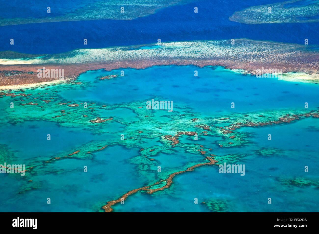 Luftaufnahme des Great Barrier Reef von den Whitsundays in der Coral Sea, Queensland, Australien Stockbild