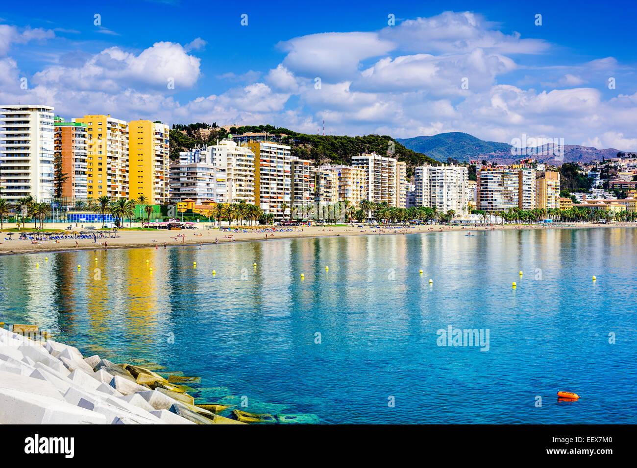 Malaga, Spanien am Strand Skyline bei Playa De La Malagueta. Stockbild