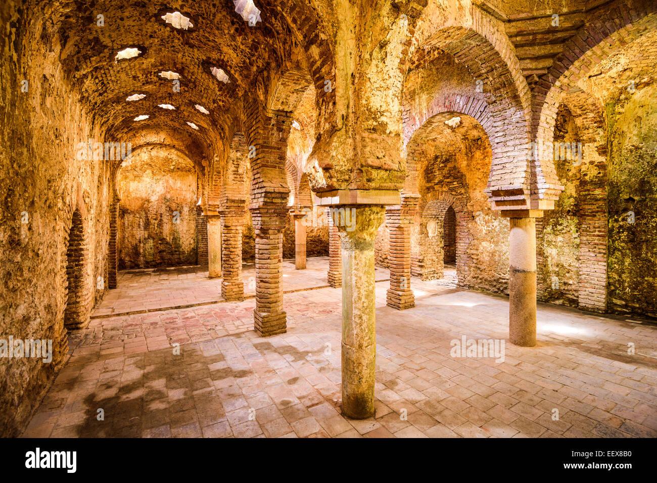 Die arabischen Bäder aus dem 11.-12. Jahrhundert in Ronda, Spanien. Stockbild