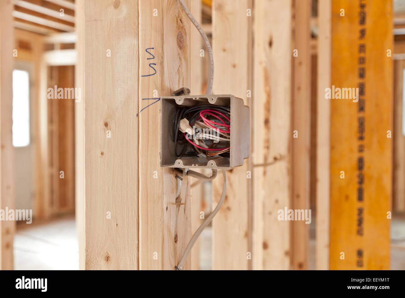 Elektroinstallation im Haus Neubau Stockfoto, Bild: 78055092 - Alamy