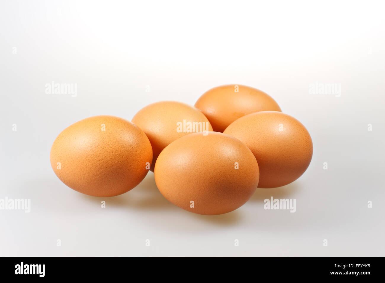 Fünf Eiern liegen. Stockbild