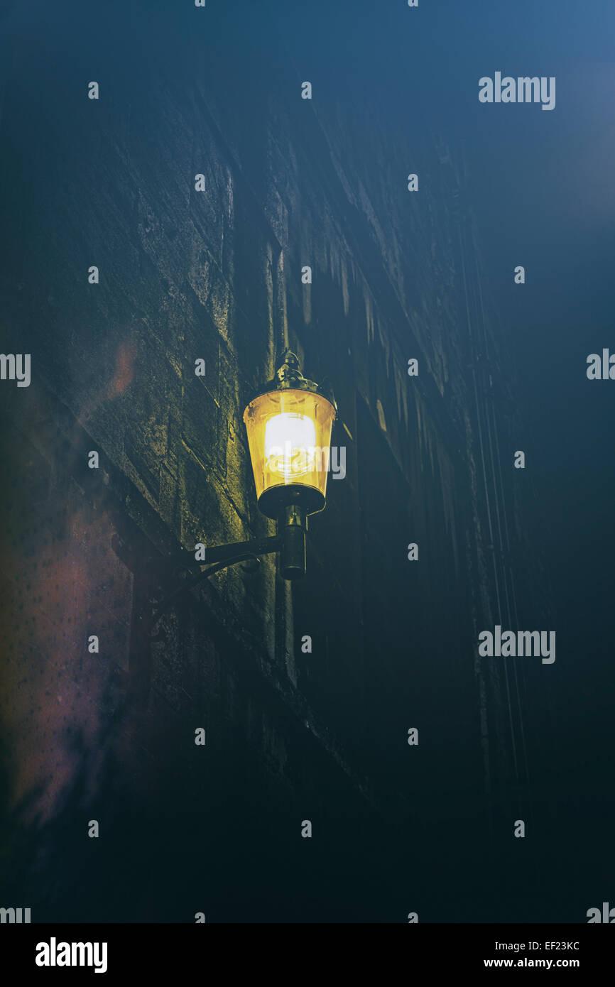 Straßenlaterne in der Nacht Stockfoto