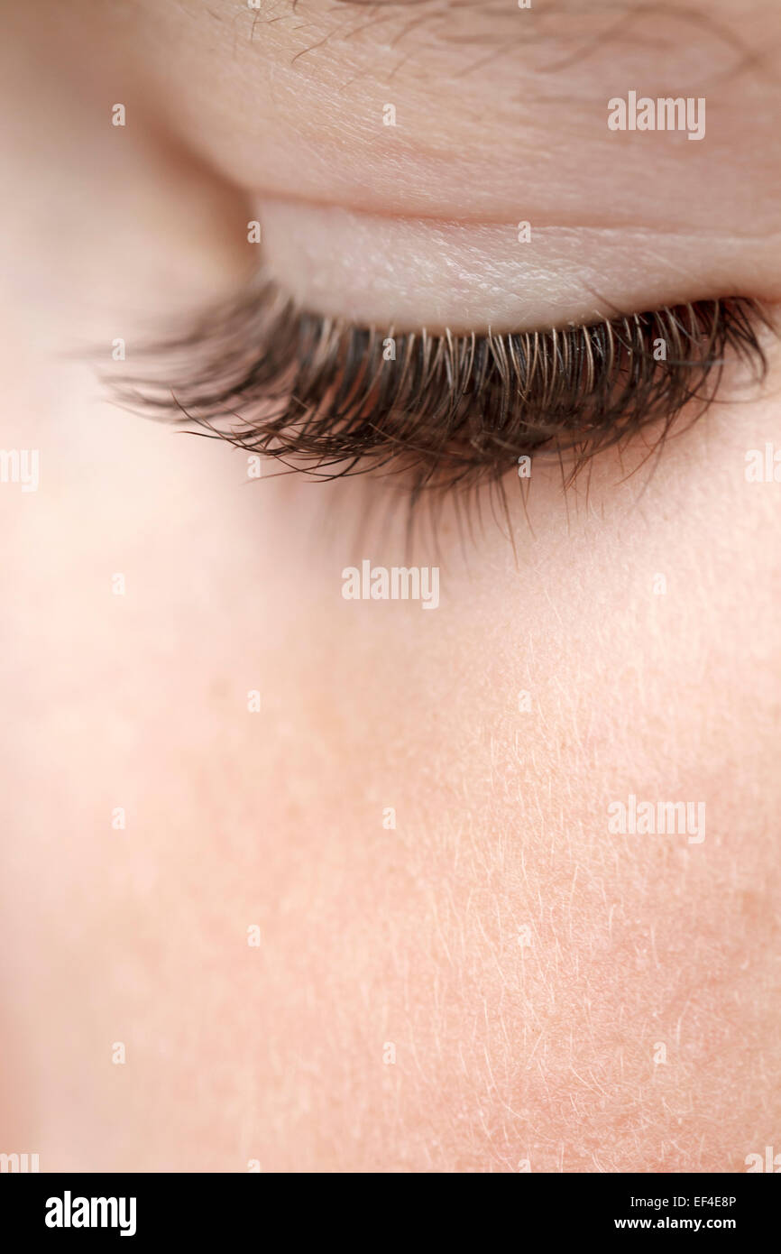 Wimpern junge von 8 Jahren hautnah Stockbild