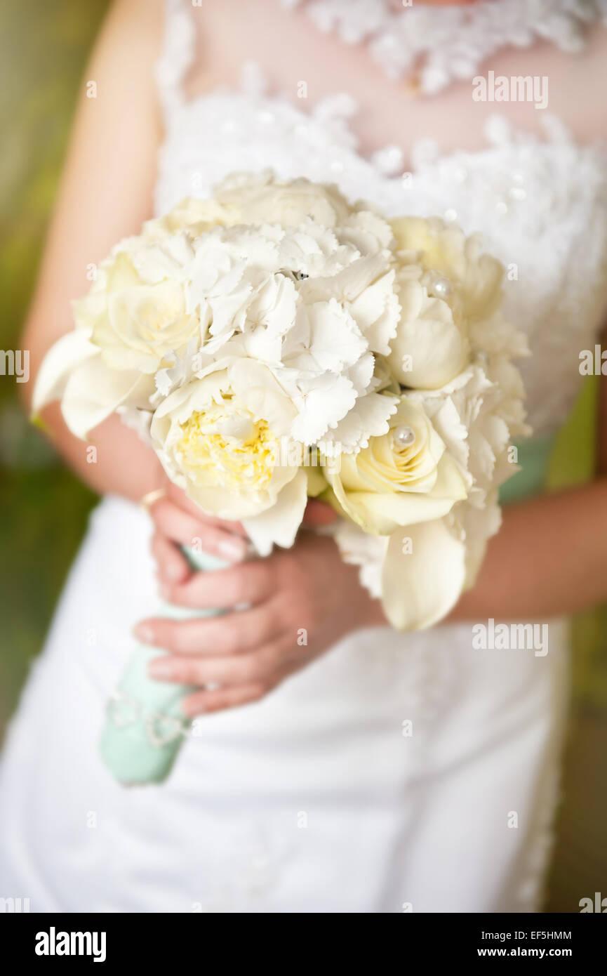 Bridal Rosen Und Pfingstrosen Strauss Hochzeitsblumen Stockfoto Bild