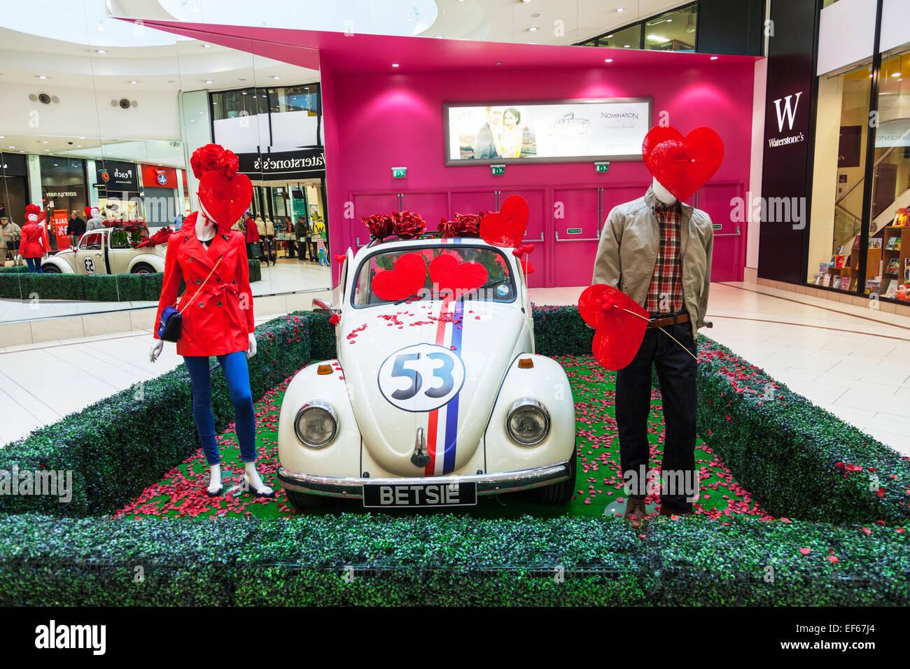 Herbie Volkswagan Käfer Auto Cabrio Valentinstag Liebe Herzen  Fahrzeuginneren Doncaster Stadt South Yorkshire UK England Betsie