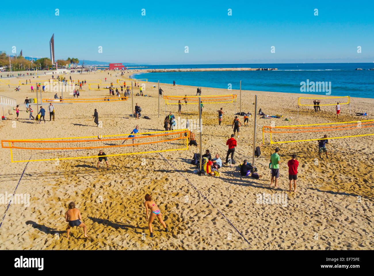Beach-Volleyball, Strand Platja Nova Icaria, Barcelona, Spanien Stockbild