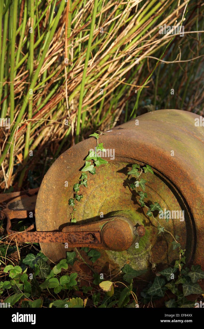 antique lawn roller stockfotos antique lawn roller. Black Bedroom Furniture Sets. Home Design Ideas