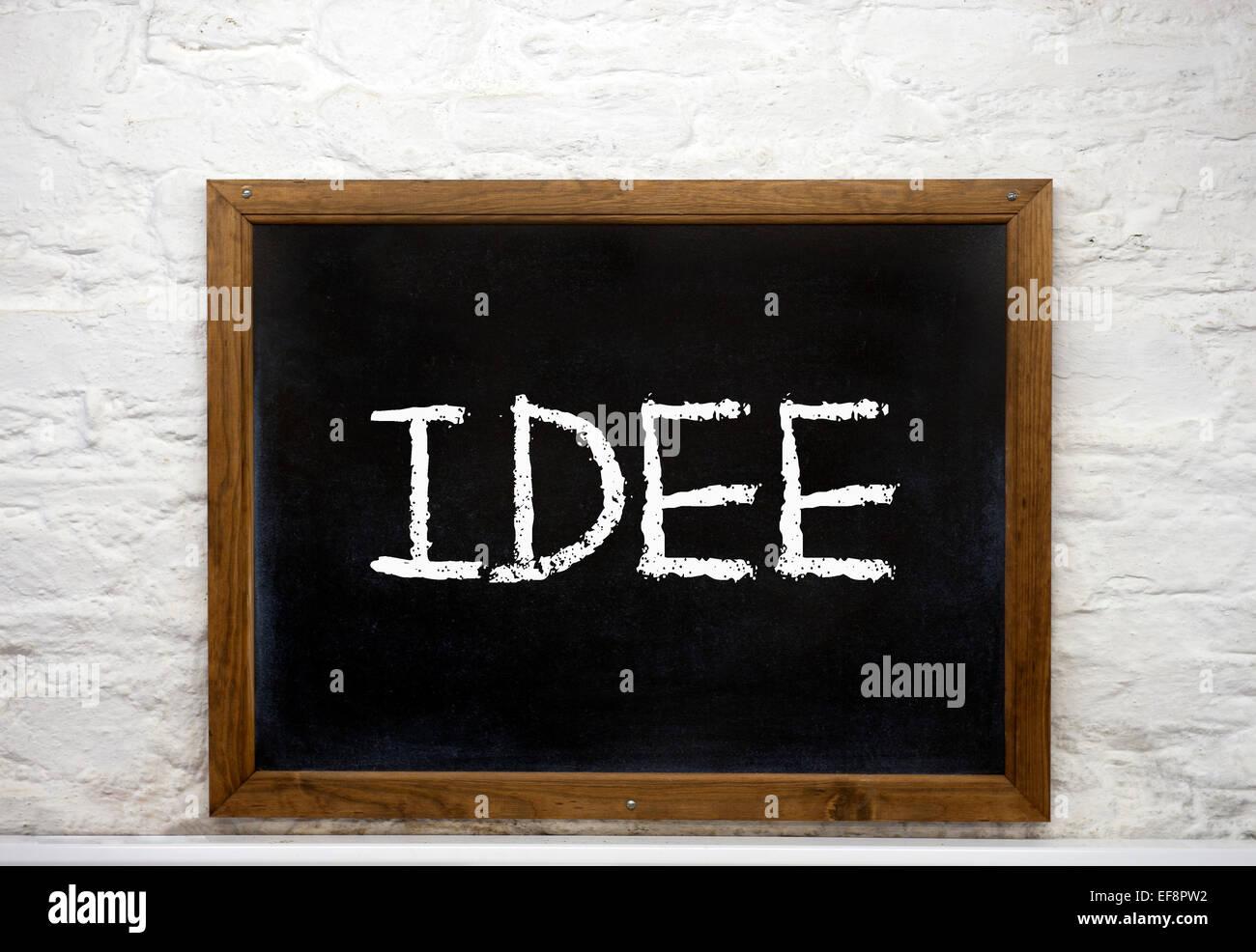 """Tafel mit dem Wort """"Idee"""", Deutsch für Idee Stockbild"""