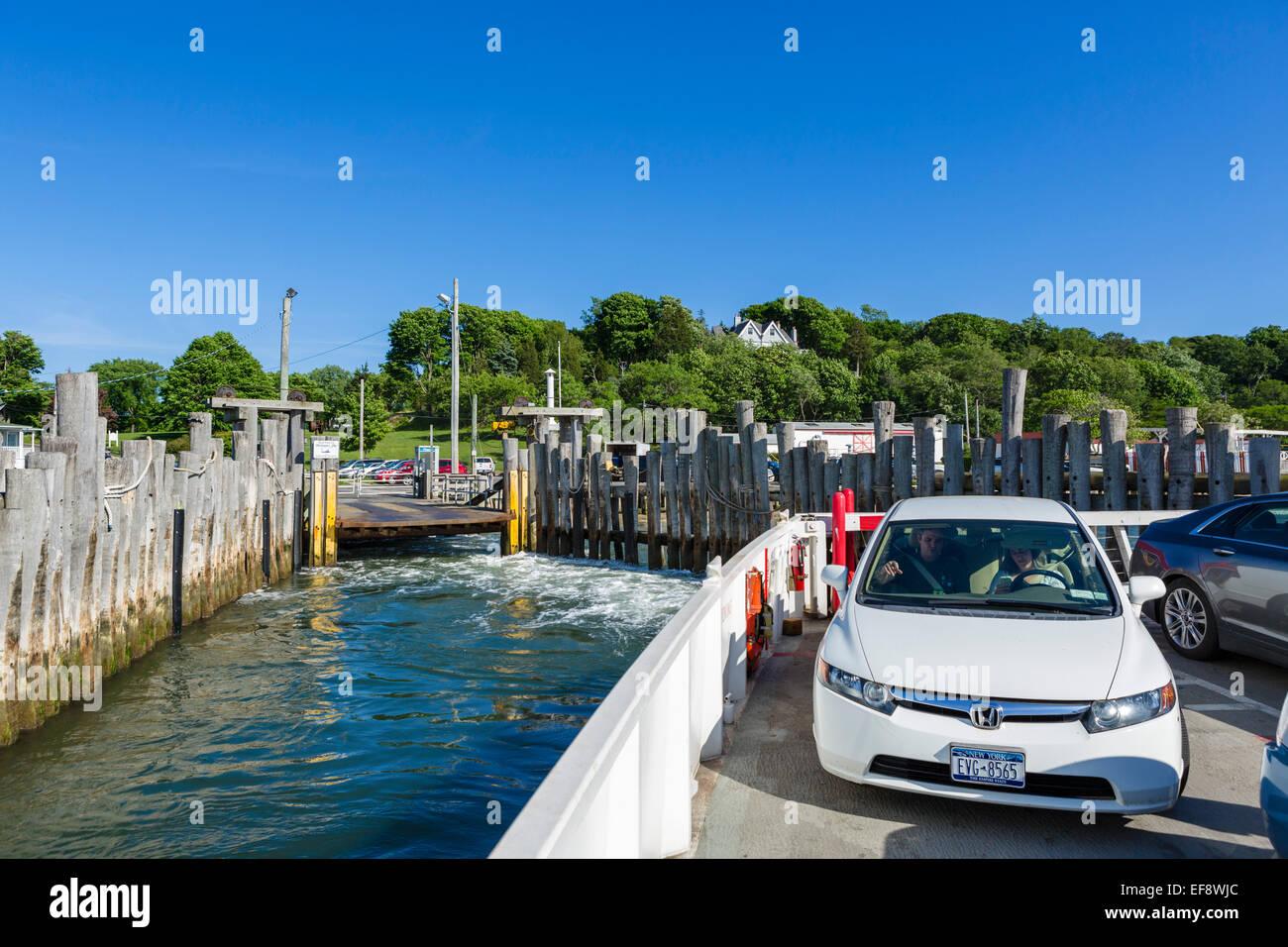 Norden der Fähre verlassen Shelter Island für Greenport, Suffolk County, Long Island, NY, USA Stockfoto