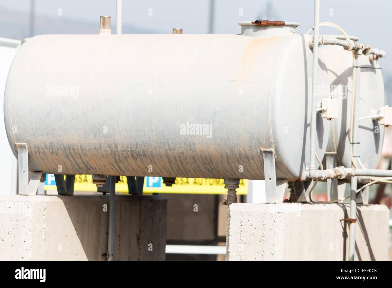 Hot Water Storage Tank Stockfotos & Hot Water Storage Tank Bilder ...