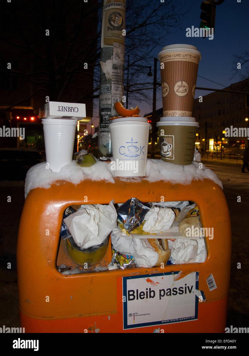 Papierkorb Mülleimer Berlin Deutschland Stockbild