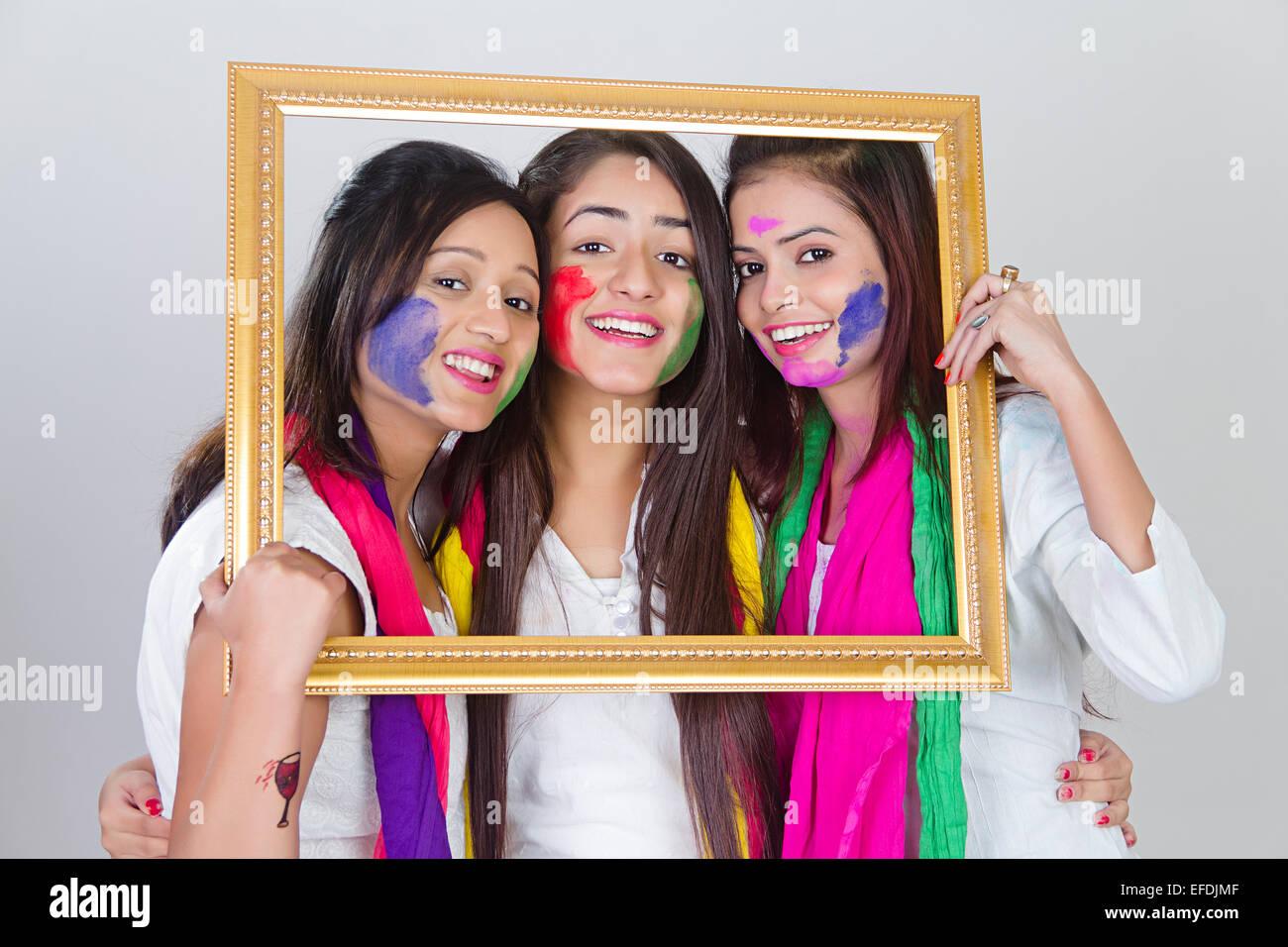 3 indische Damen Holi Festival Bilderrahmen Stockfoto, Bild ...