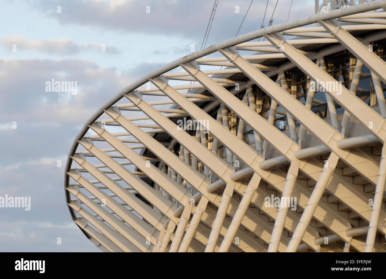 Engen Ernte von der Infrastruktur des Dachs und Bogen in der neuen Wembley Stadion Arena London hautnah Stockbild