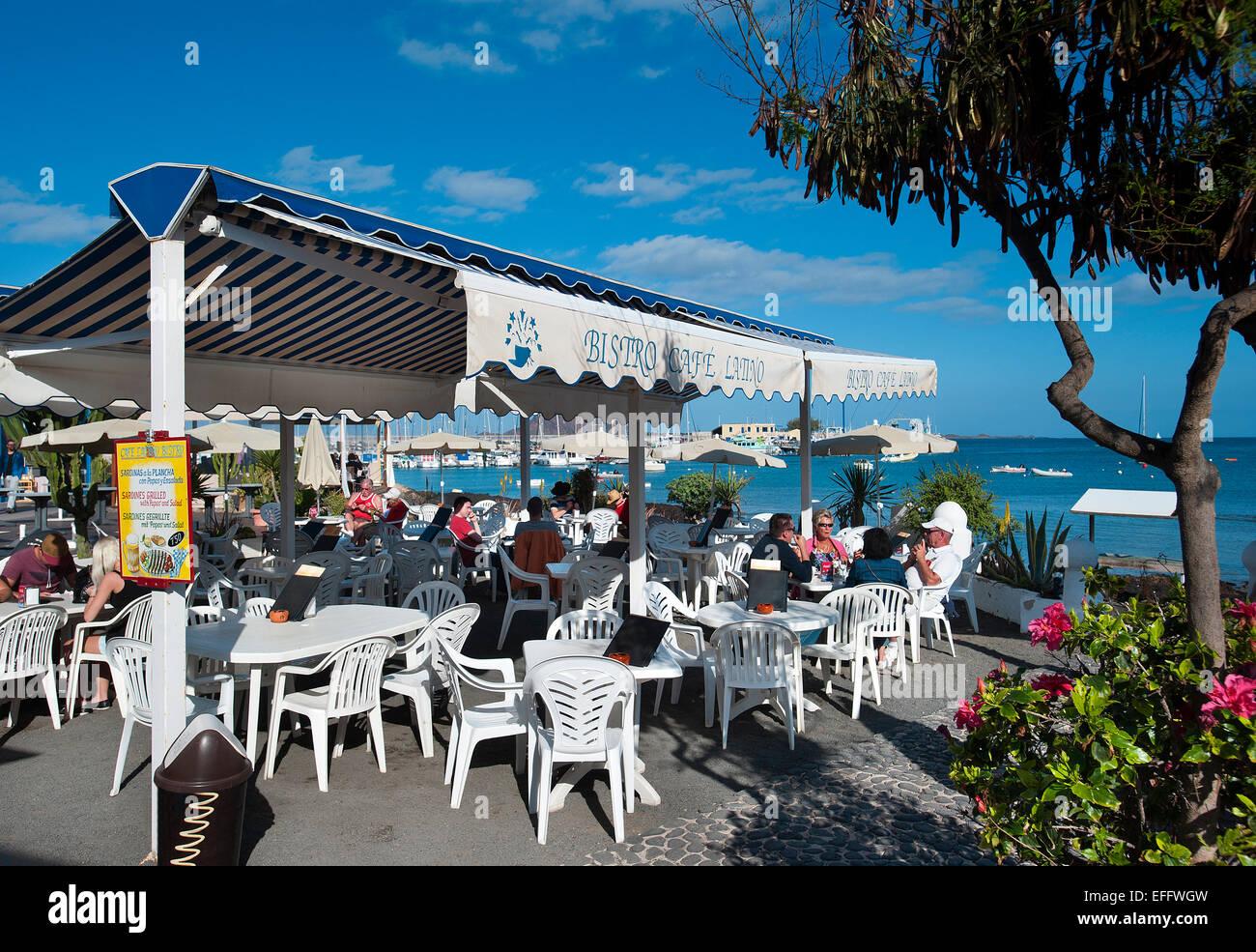 Bar-Terrasse, Corralejo, Fuerteventura, Kanarische Inseln, Spanien Stockbild