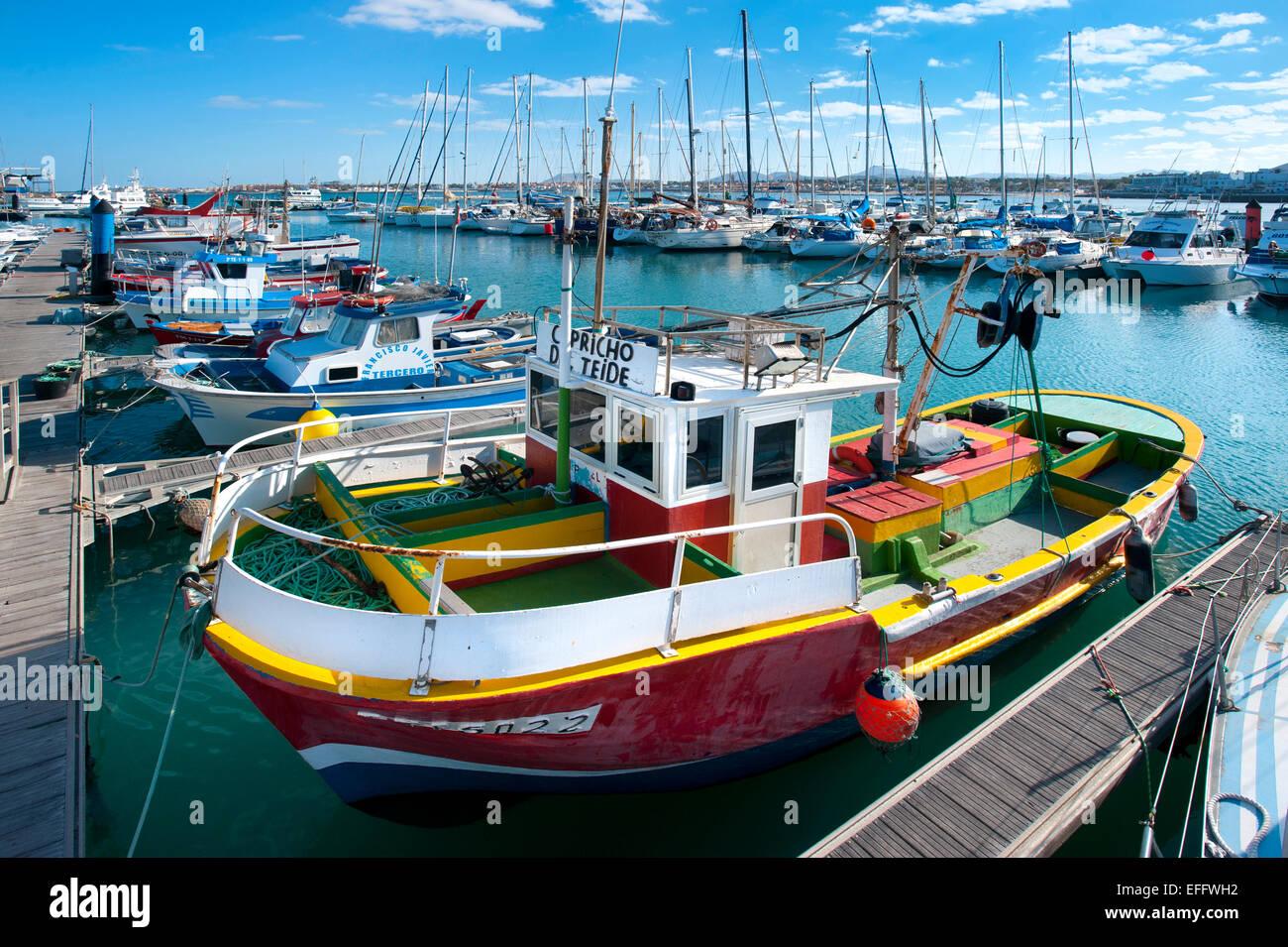 Hafen von Corralejo, Fuerteventura, Kanarische Inseln, Spanien Stockbild