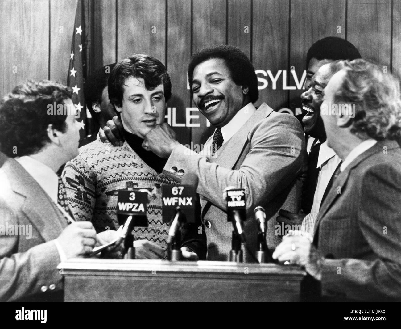 sylvester stallone carl weathers rocky 1976 stockfoto. Black Bedroom Furniture Sets. Home Design Ideas