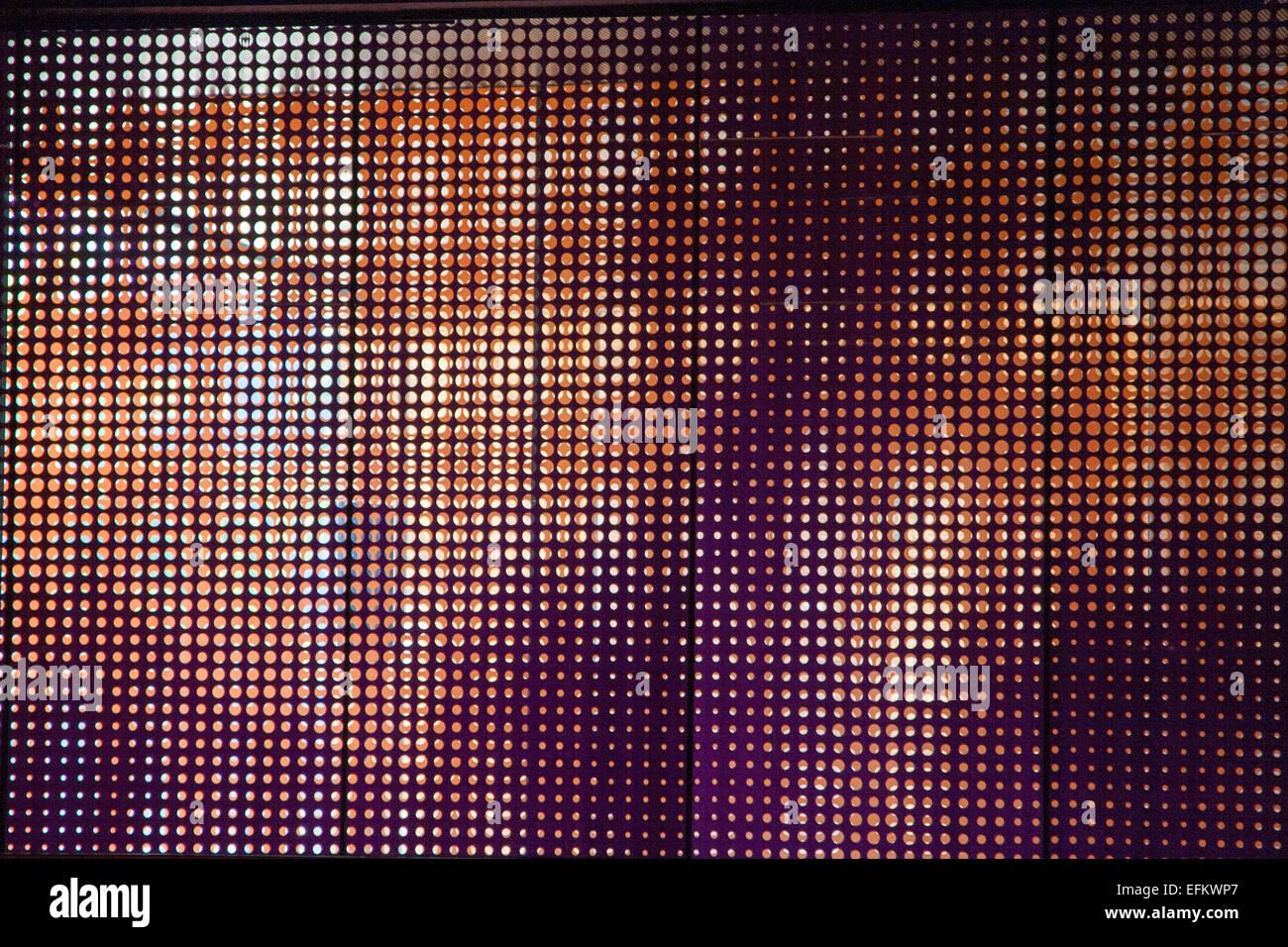 Wand-Dekor-Fenster-Bildschirm, über der Bühne, im Koret Auditorium ...