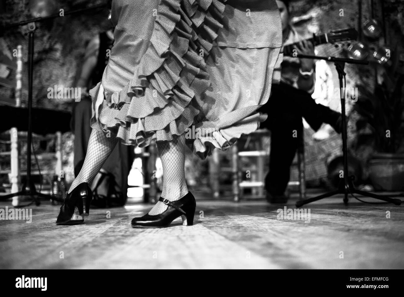 Flamenco-Tanz in einer Höhle in Spanien. Stockbild