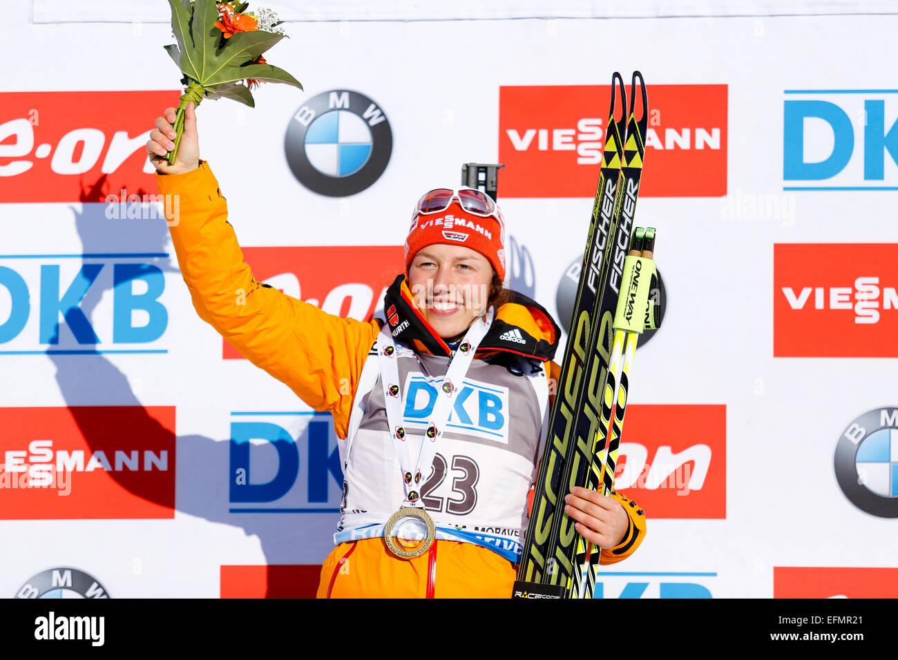 Nove Mesto Na Morave, Tschechische Republik. 7. Februar 2015. Laura Dahlmeier gewann die Goldmedaille bei den Biathlon Stockbild