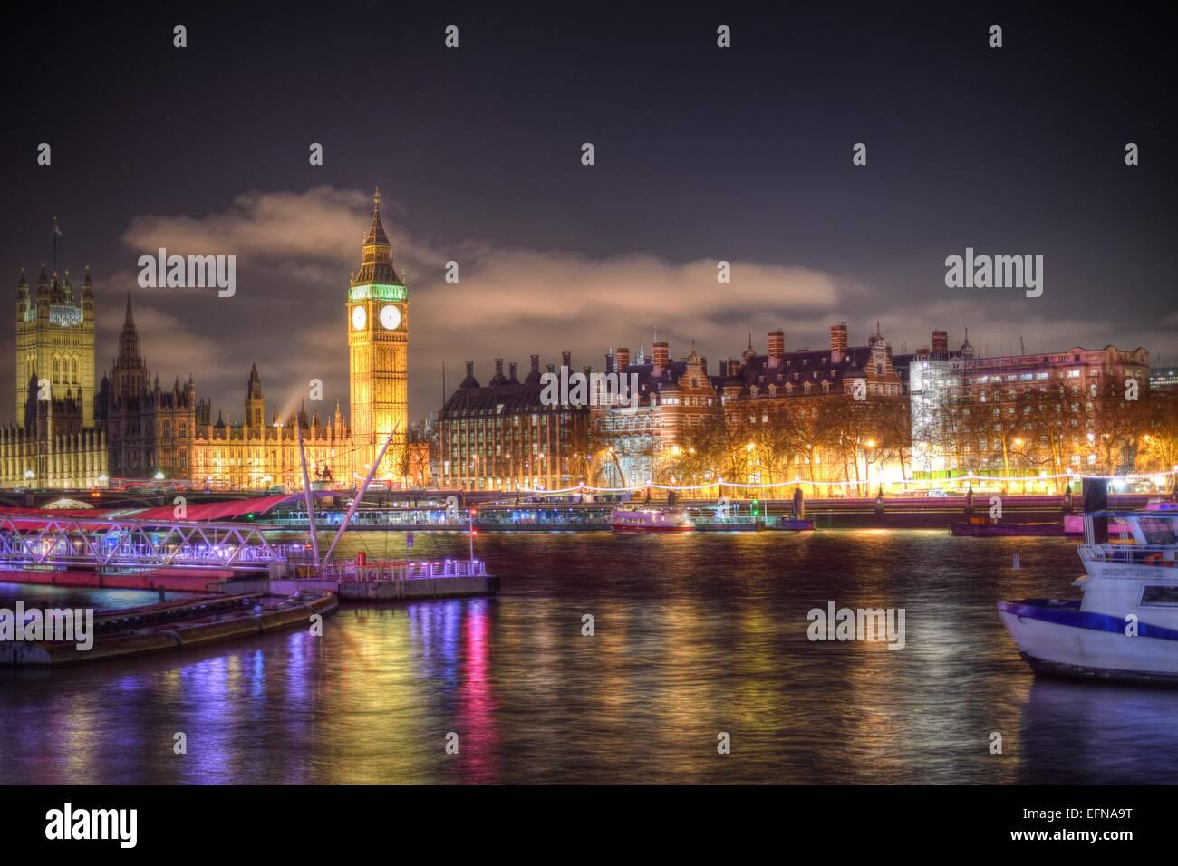 Hohe dynamische Bandbreite von Londons Embankmen, Big Ben und das Houses of Parliament. Stockbild