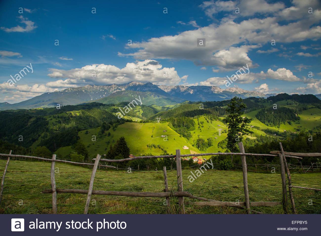 Idyllische Aussicht auf die Landschaft Stockbild