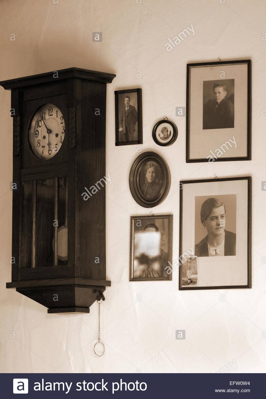 Grandfather Clock Nobody Stockfotos & Grandfather Clock Nobody ...