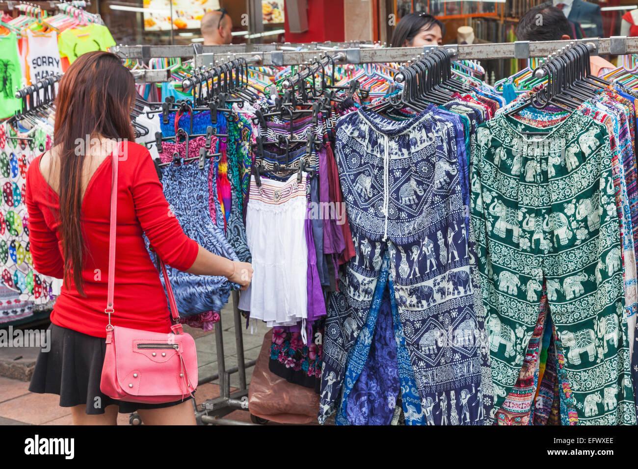Thailand, Bangkok, Khaosan Road, weibliche Touristen ...