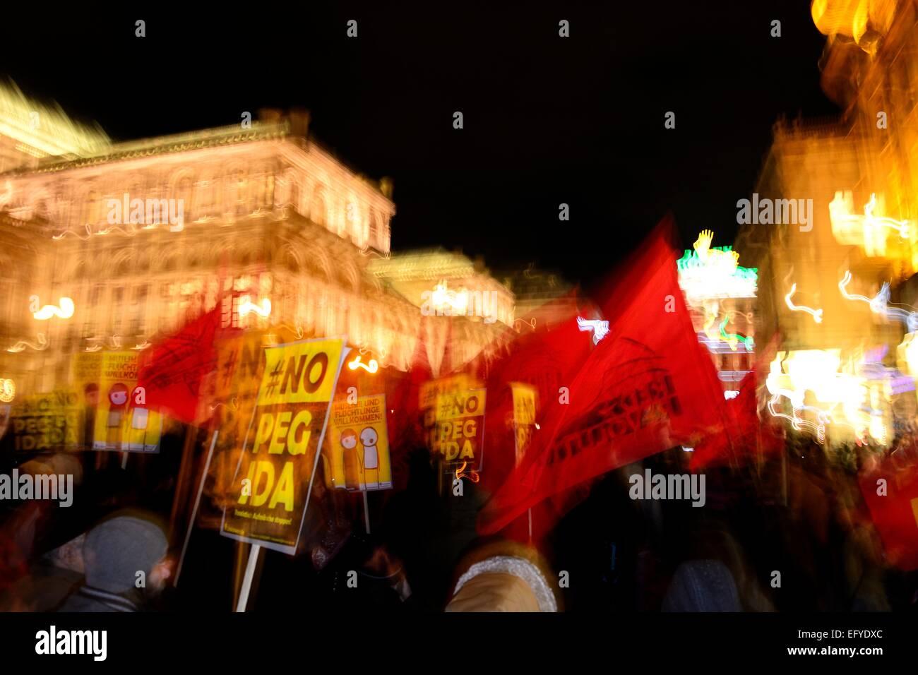 Demonstration gegen PEGIDA am Opernring, Innere Stadt, Wien, Österreich Stockbild