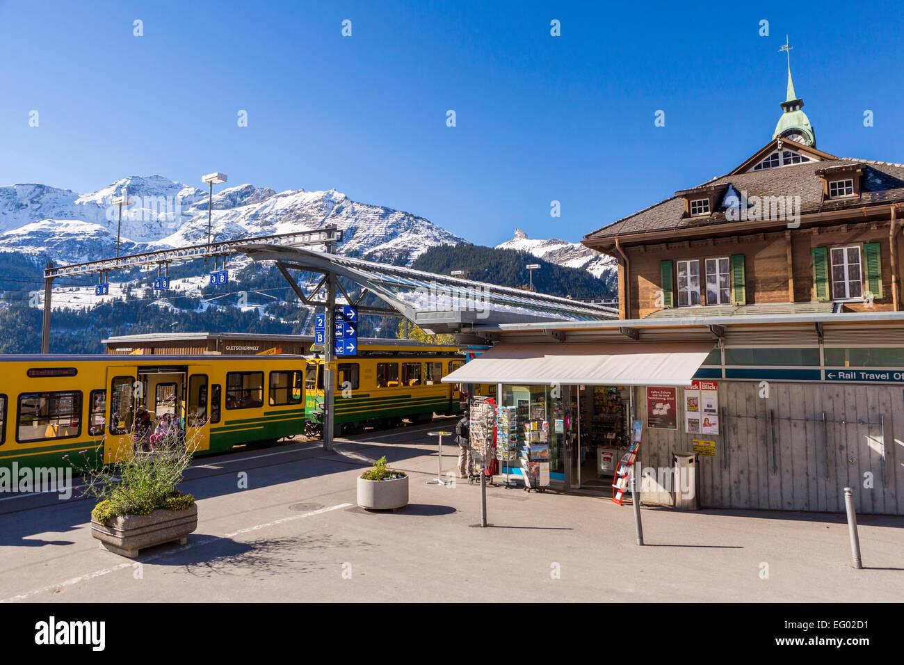 Bahnhof von Wengen, Berner Oberland, Schweizer Alpen, Schweiz, Europa Stockbild