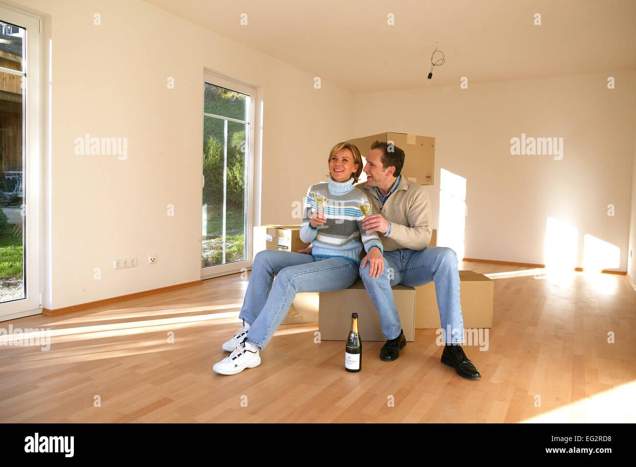 wohnung paar wohnraum renovierung haus neubau bausparen. Black Bedroom Furniture Sets. Home Design Ideas