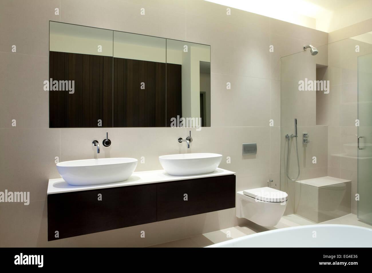 Bad, Design, modernes Interior Design, Waschbecken, Toilette, Dusche ...