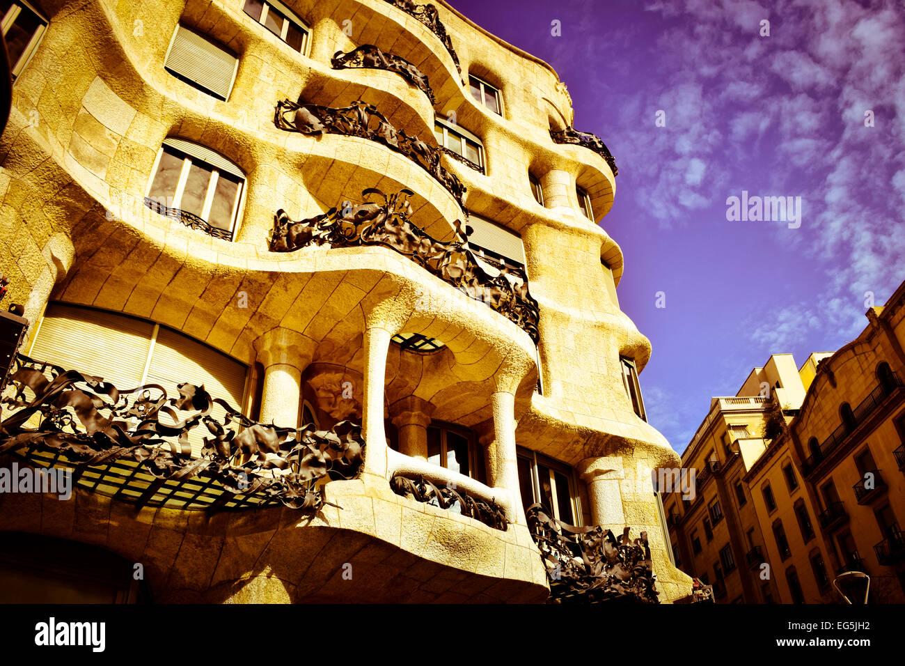 Mila Haus auch bekannt als La Pedrera, entworfen vom Architekten Antoni Gaudi. Barcelona, Katalonien, Spanien. Stockbild