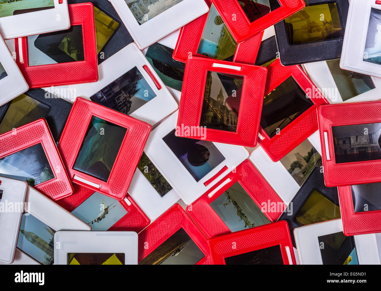 Reihe von Erinnerungen - alte Dias, 35mm Dias Haufen Stockbild