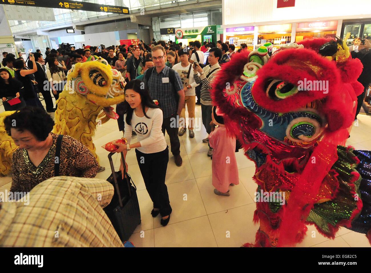 Bangkok, Thailand. 19. Februar 2015. Touristen sehen Löwentanz ...