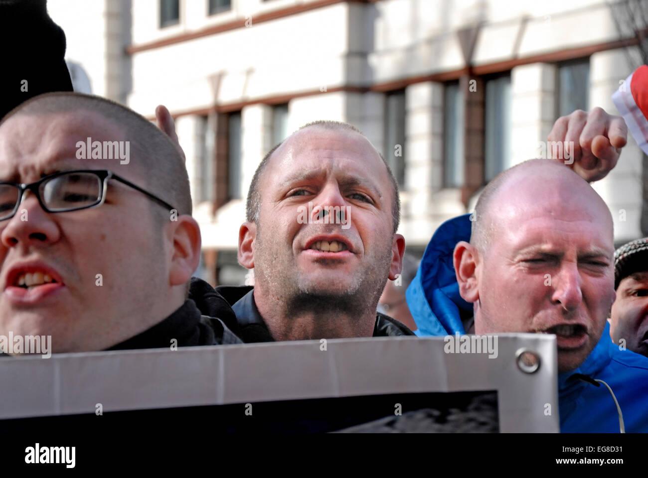 """Lee Rigby Murder Trial Verurteilung - Old Bailey 26 Februar """"South East"""" Allianzmitglieder demonstrieren. Stockbild"""