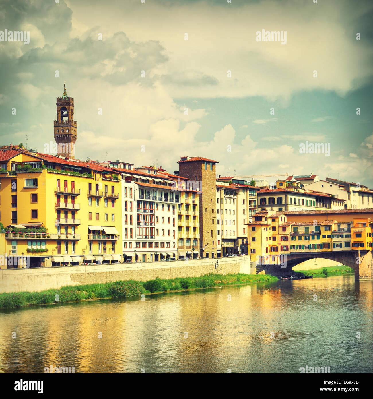 Blick auf Florenz in der Nähe von Ponte Vecchio Brücke, Italien Stockbild