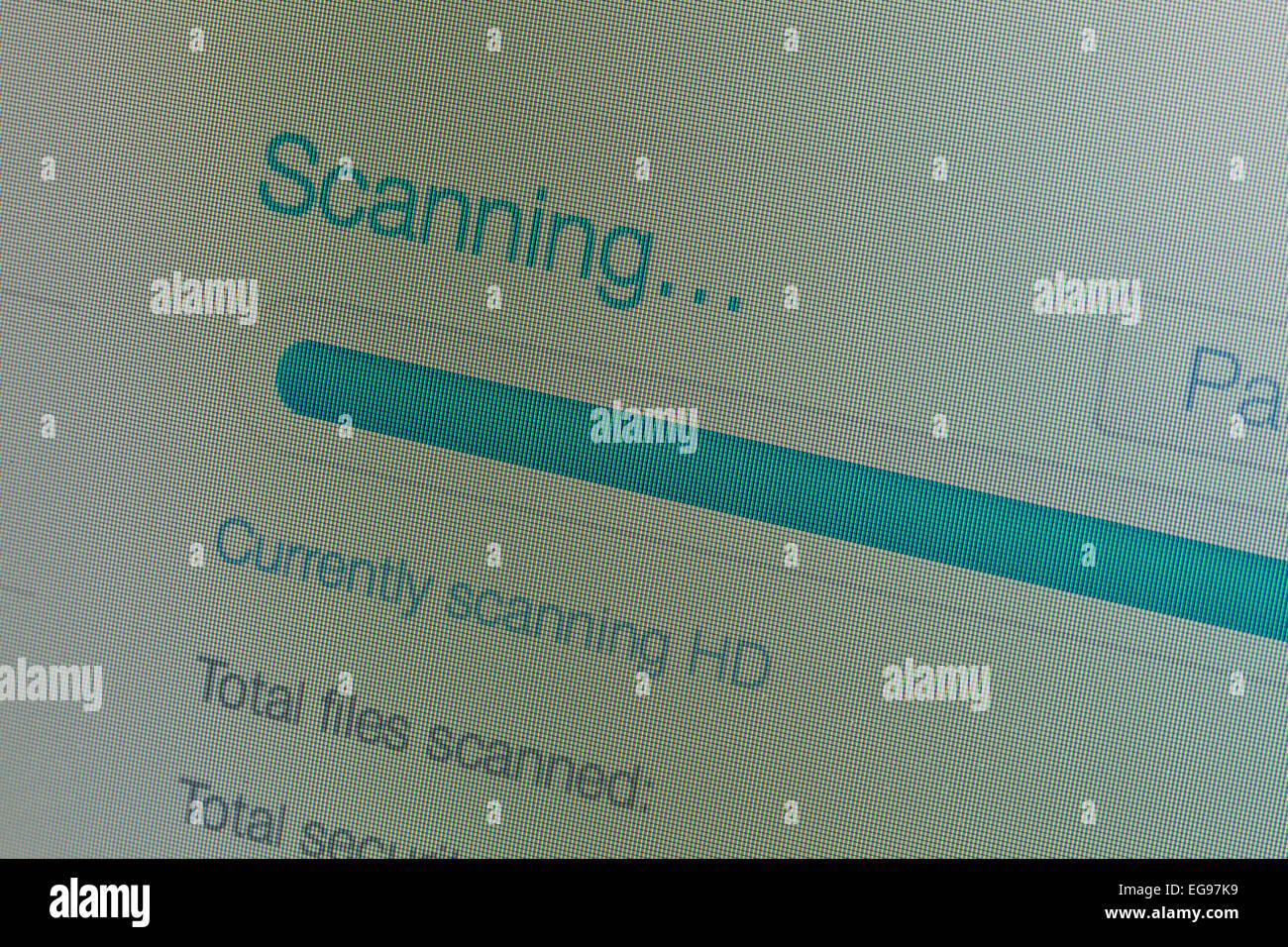 Anti-Virus Scan Nachricht auf LCD-Bildschirm Stockbild