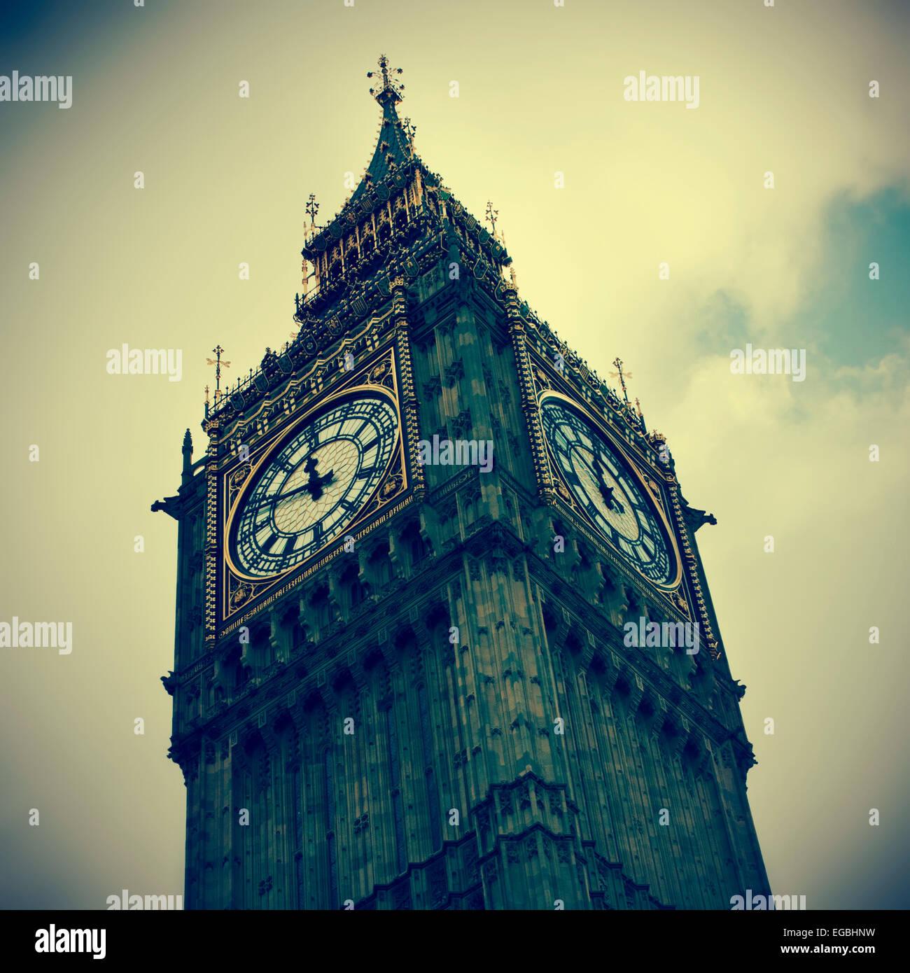 Nahaufnahme des Big Ben in London, Vereinigtes Königreich, mit einem Retro-Effekt Stockbild
