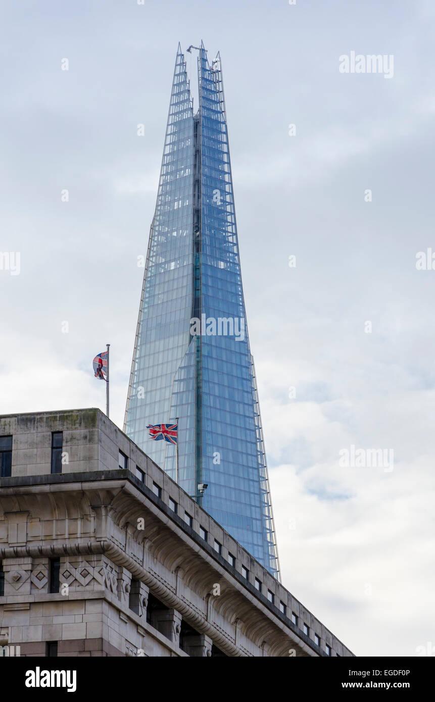 Die Scherbe angezeigt über Adelaide House, London, UK Stockbild