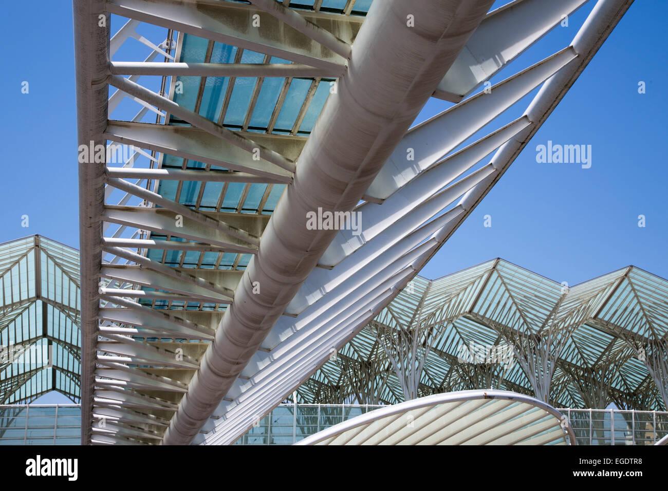 Gare tun Bahnhof Oriente (entworfen vom spanischen Architekten Santiago Calatrava für die Expo 98) auf den Stockbild
