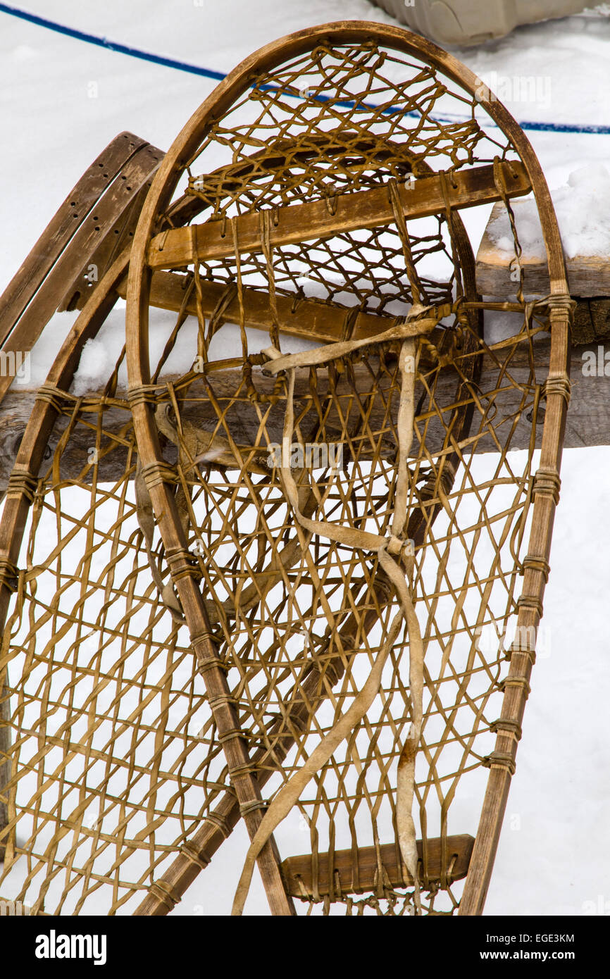 Traditional Snowshoes Canada Stockfotos & Traditional Snowshoes ...
