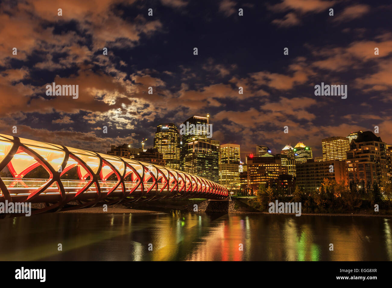Calgary in der Nacht Stockbild