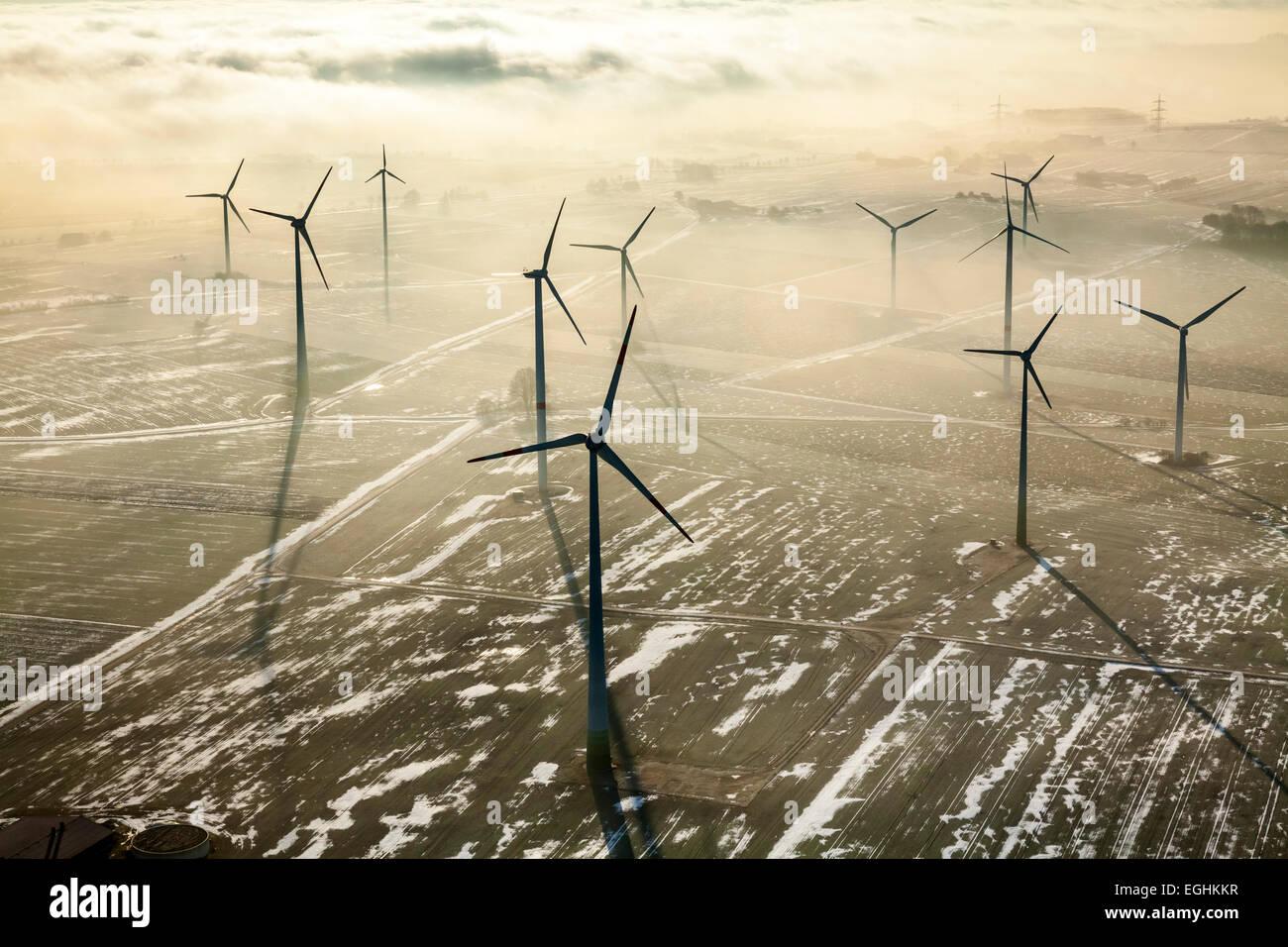 Windpark in Madfeld, Brilon, Sauerland, Nordrhein-Westfalen, Deutschland Stockbild