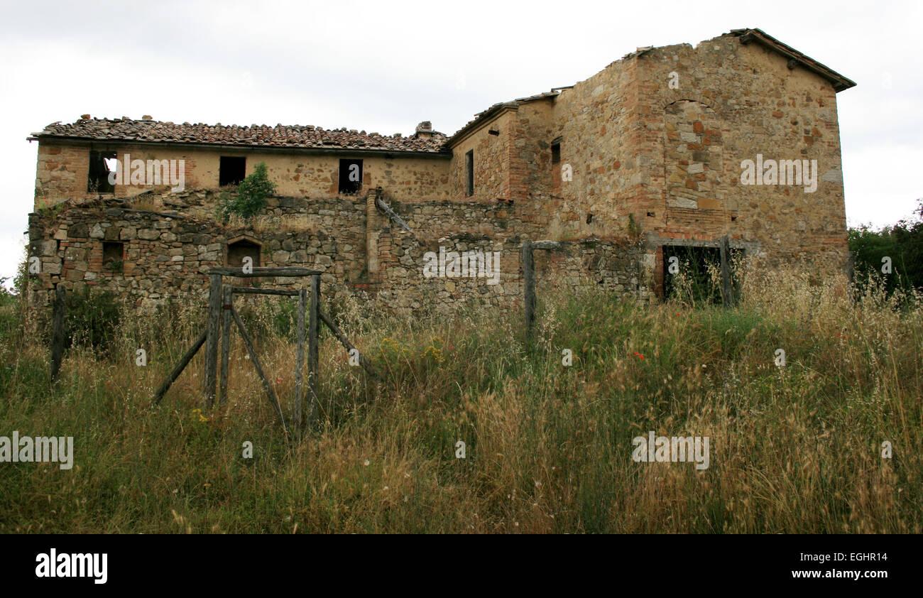 Altes Verlassenes Haus In Der Toskana Italien Stockfoto Bild