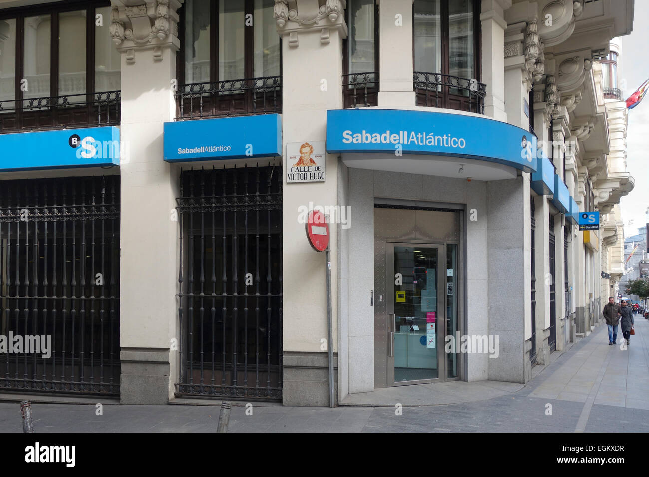 Sabadell Atlantico Bank Filiale Eingang, Gran Via, Madrid, Spanien Stockbild
