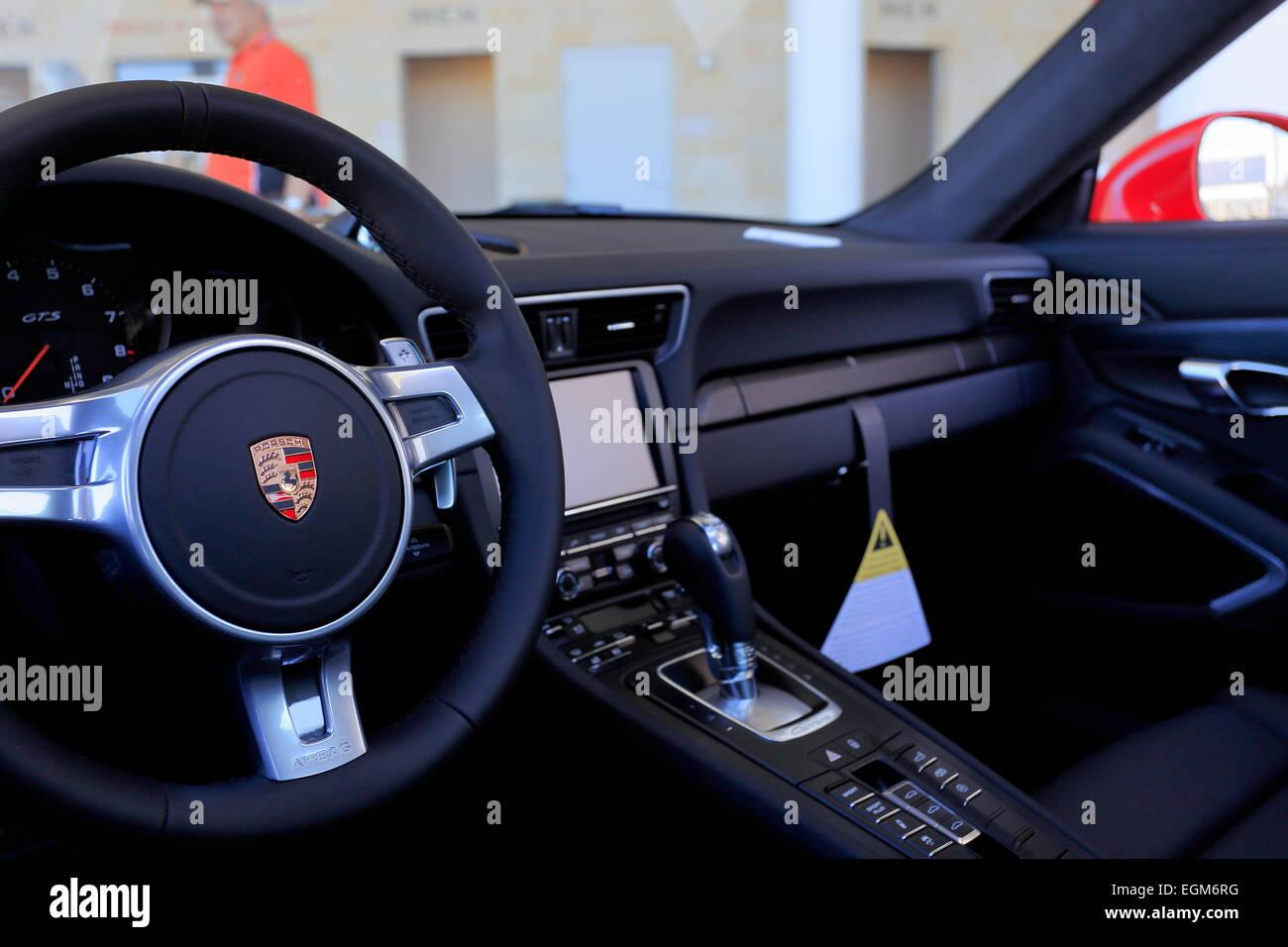 2016-Porsche 911 Carrera GTS-Automobil-Interieur Stockfoto, Bild ...
