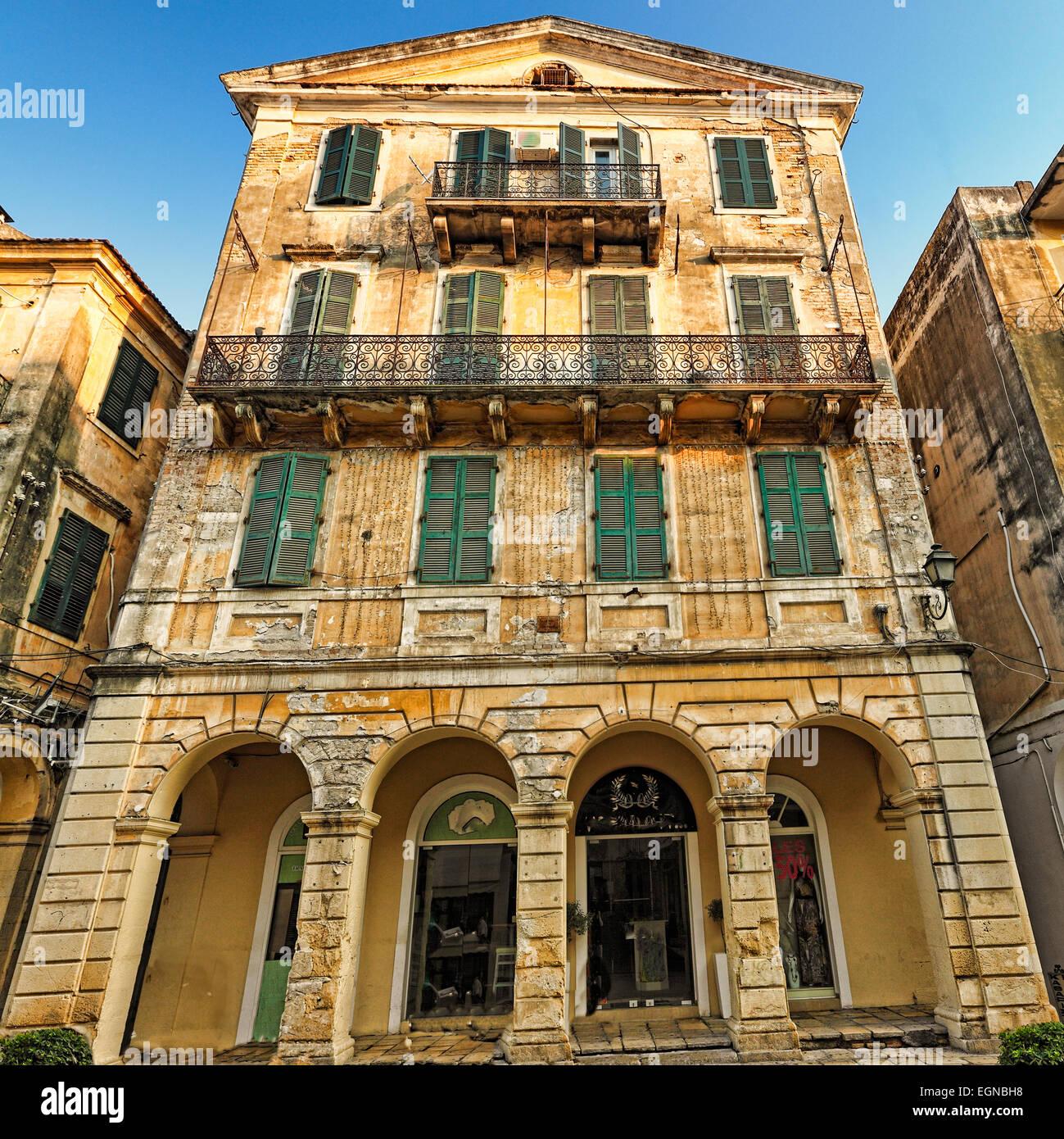 Ein Gebäude in der Altstadt von Korfu, Griechenland Stockbild