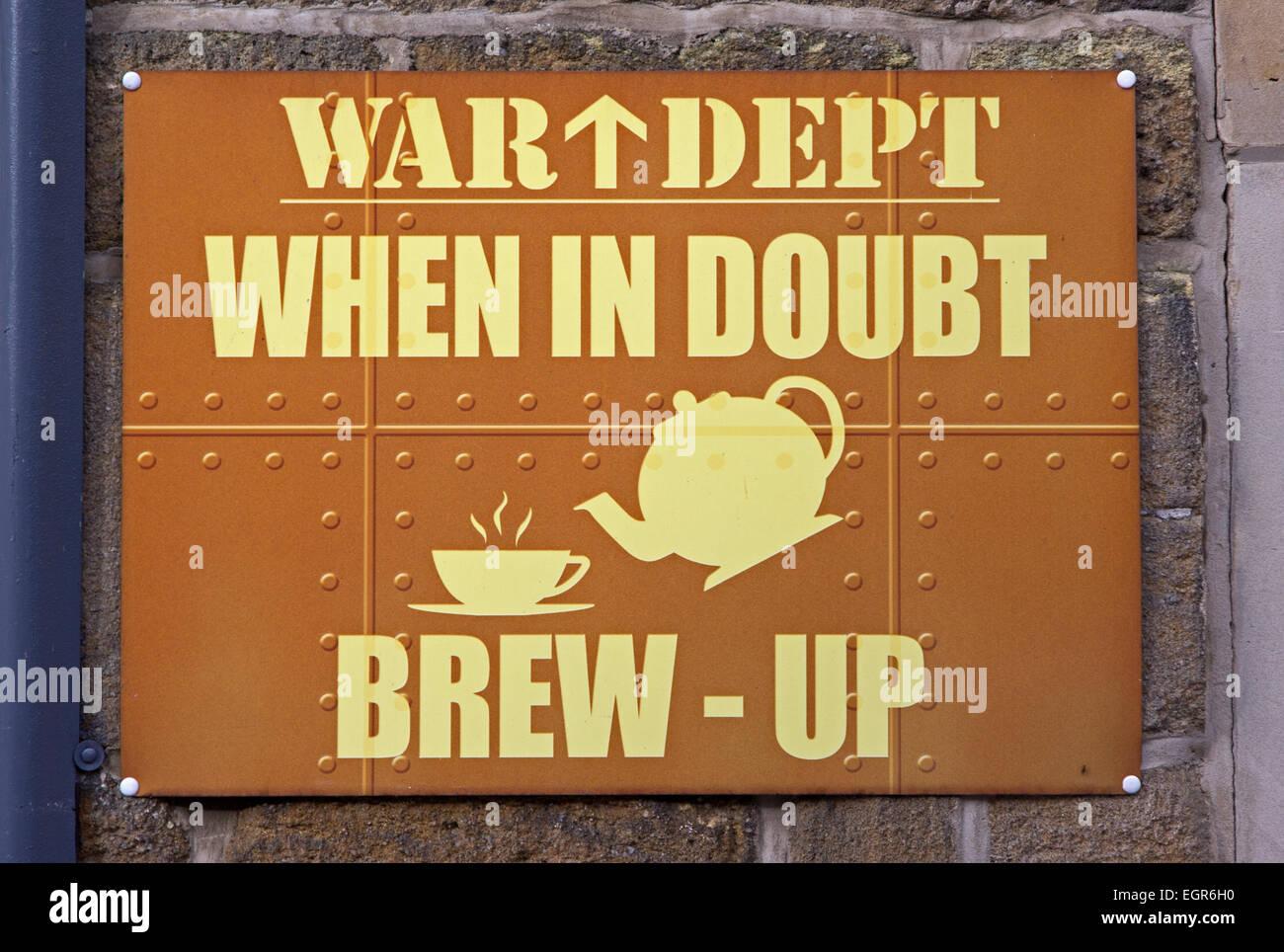 """Krieg-Abteilung """"in Zweifel Brew-up' Zeichen Stockbild"""