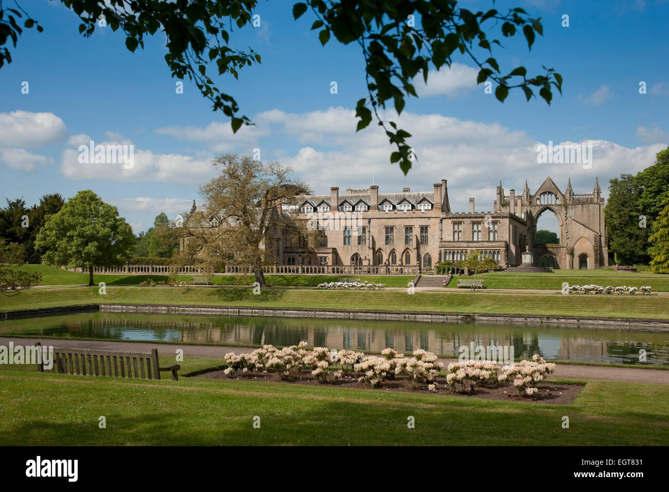 Newstead Abbey Grounds Stockfotos & Newstead Abbey Grounds Bilder ...